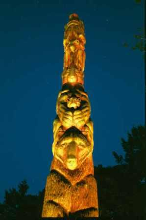 Custom Totem Pole Lighting Feature